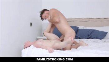 Hot Euro Webcam Girl Fingers To Orgasm